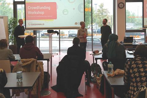 crowdfunding-min